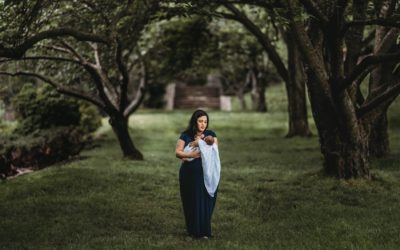 Rockville Maryland Outdoor Newborn Session in a Park