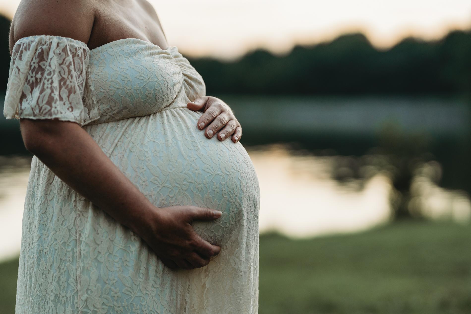 potomac maternity photographer pregnancy photograph