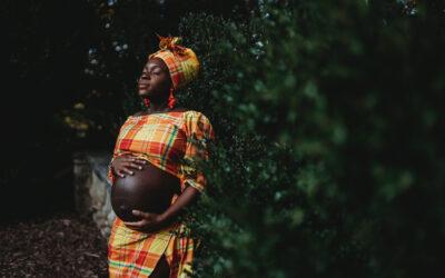 Bethesda Maternity Photographer – Traditional Clothing Maternity Photos