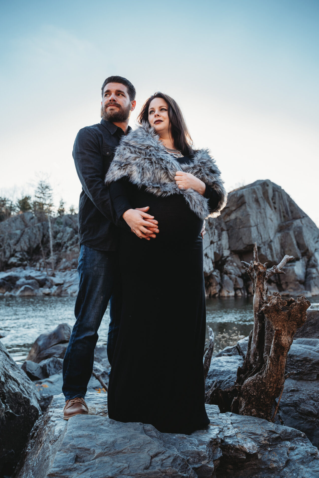 northern virginia creative maternity photo with unique background location